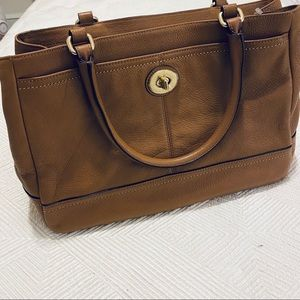 Like new Coach park leather tote